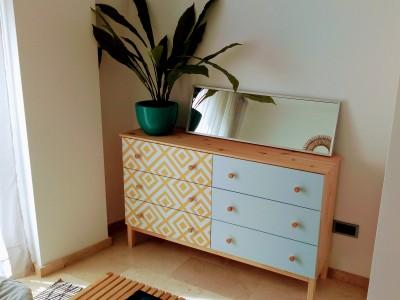 23 fantásticos IKEA hacks con vinilos autoadhesivos para muebles Lokoloko