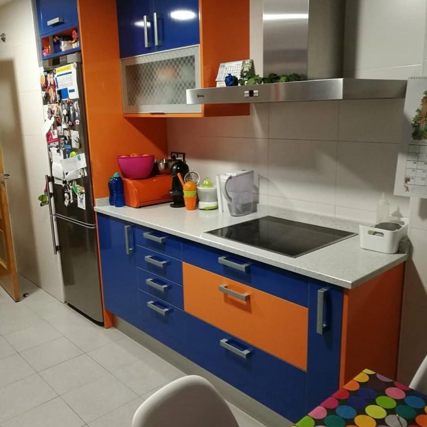 Antes-de-pegar-vinilo-en-cocina-de-colores
