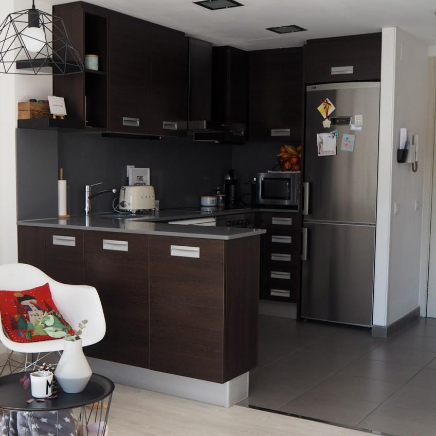 Antes-vinilo-para-muebles-de-cocina-blanco-mate-lavable-e-impermeable-lokoloko