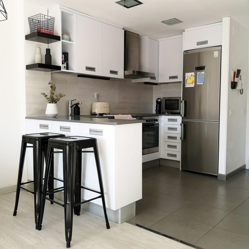 vinilo-para-muebles-de-cocina-blanco-mate-lavable-e-impermeable-lokoloko