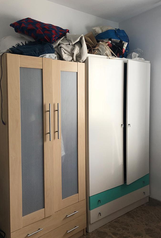 Puertas-de-armario-antes-de-forrar-con-vinilos-lokoloko