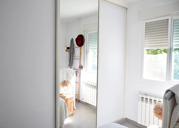 Renovar-armario-con-vinilo-color-liso-blanco-mate-opaco-autoadhesivo-lavable-lokoloko