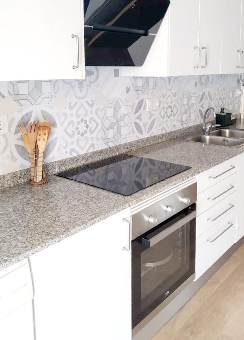 Vinilo de mosaico de baldosas hidráulicas para redecorar muebles de salón comedor